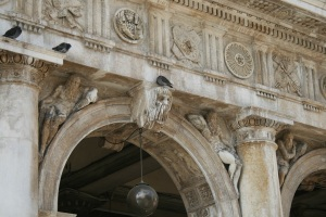 Faded glory of Venice, some pigeons, (creaking cricket not pictured)